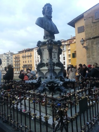 Cadenas sur Ponte Vecchio à Florence, Toscane
